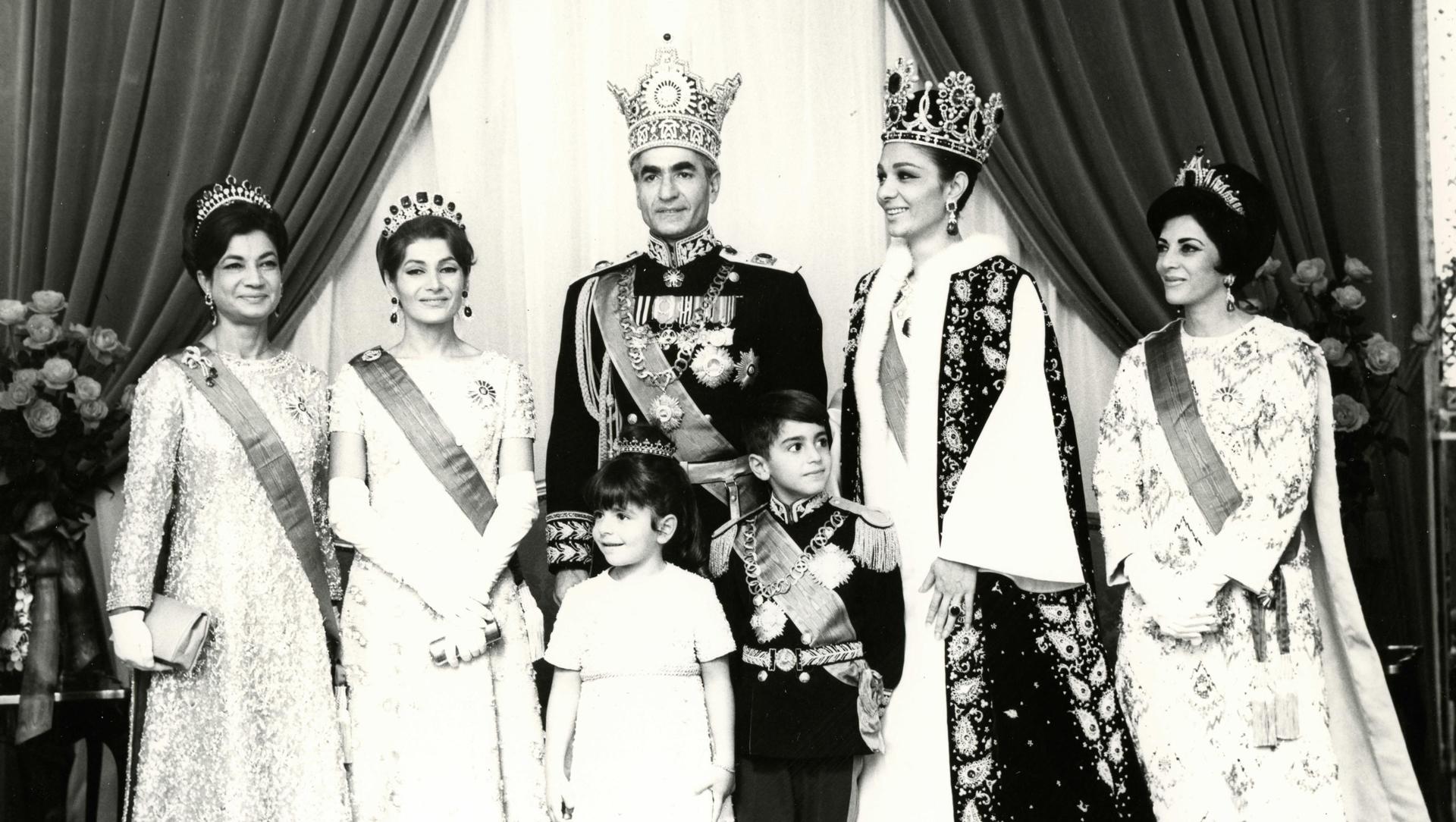 Pahlavi-Coronation-3